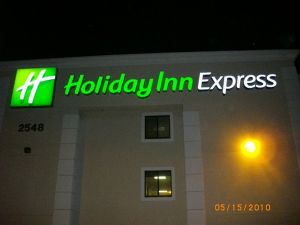 Holiday Inn 2.jpg