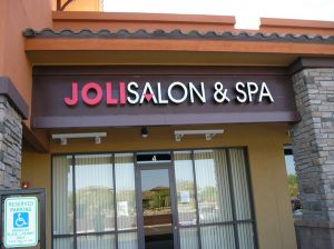 Salon Joli 2.jpg